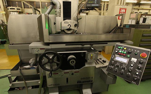 小型精密成型研削盤 HPG500L 岡本工作機械