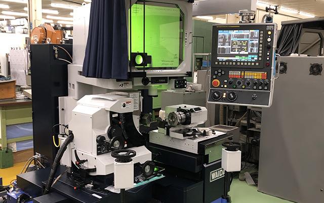 高精度プロファイル研削盤 SPG-R 和井田製作所